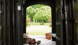 Country Manor Archway